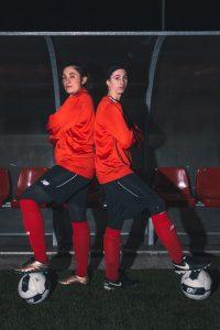 Las futbolistas Saioa y Suzette